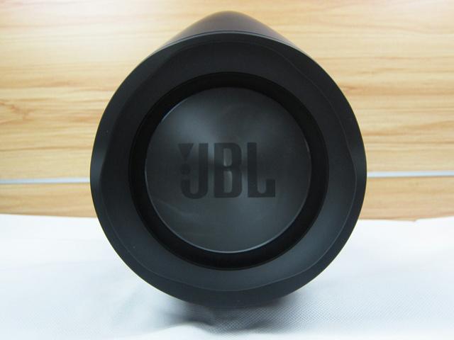 JBL_Boombox_10.jpg