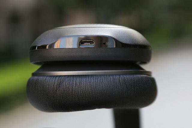 Mi_Bluetooth_Headphones_07.jpg