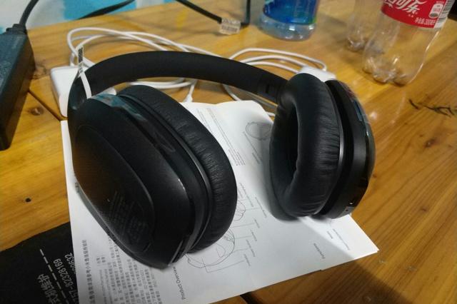 Mi_Bluetooth_Headphones_10.jpg