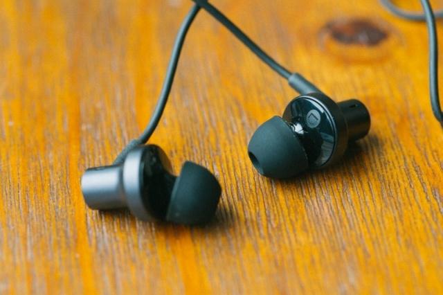 Mi_In-Ear_Headphones_Pro2_01.jpg