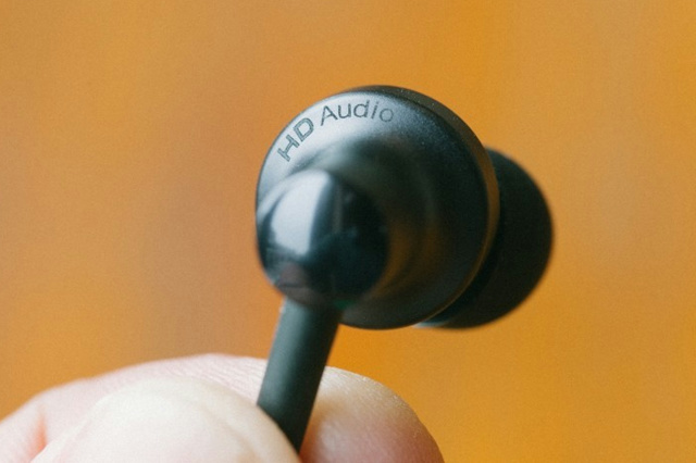 Mi_In-Ear_Headphones_Pro2_04.jpg