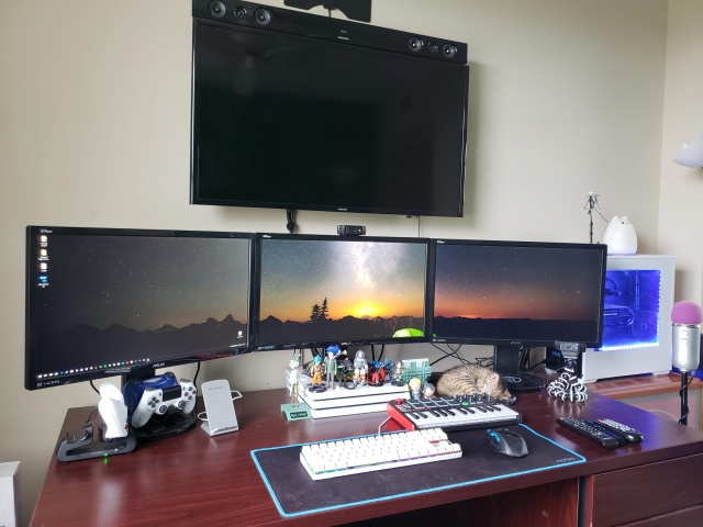 PC_Desk_MultiDisplay120_17.jpg