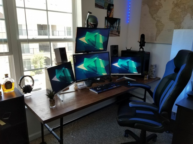 PC_Desk_MultiDisplay120_23.jpg