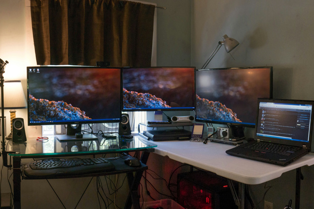 PC_Desk_MultiDisplay121_08.jpg