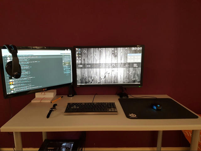 PC_Desk_MultiDisplay121_51.jpg