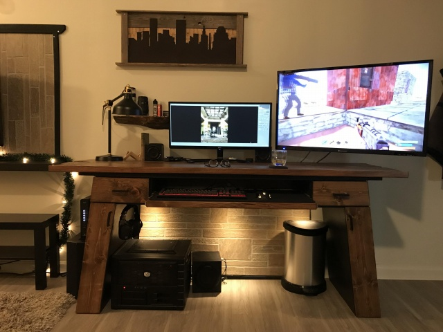 PC_Desk_UltlaWideMonitor32_35.jpg