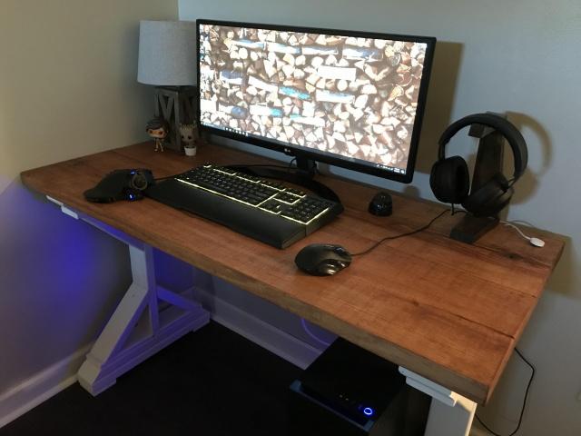 PC_Desk_UltlaWideMonitor32_42.jpg