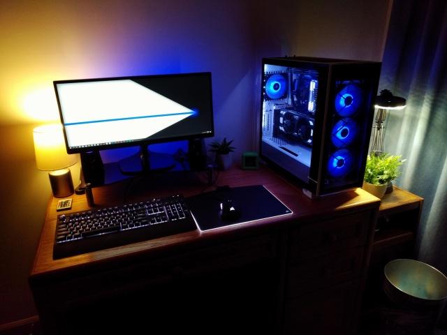 PC_Desk_UltlaWideMonitor32_48.jpg