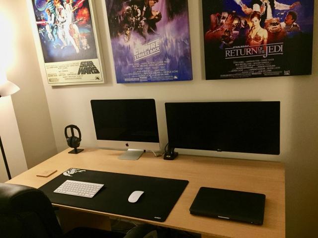 PC_Desk_UltlaWideMonitor32_57.jpg