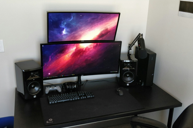 PC_Desk_UltlaWideMonitor32_68.jpg
