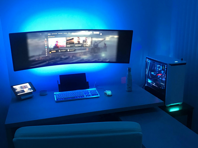 PC_Desk_UltlaWideMonitor33_07.jpg