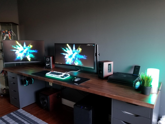 PC_Desk_UltlaWideMonitor33_08.jpg