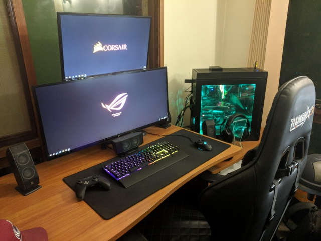 PC_Desk_UltlaWideMonitor33_10.jpg