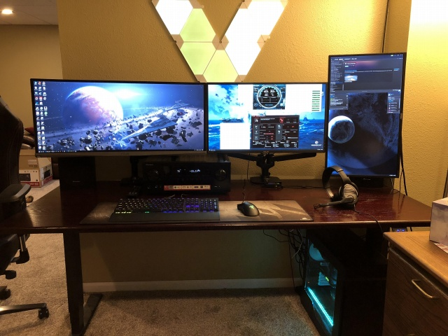 PC_Desk_UltlaWideMonitor33_14.jpg