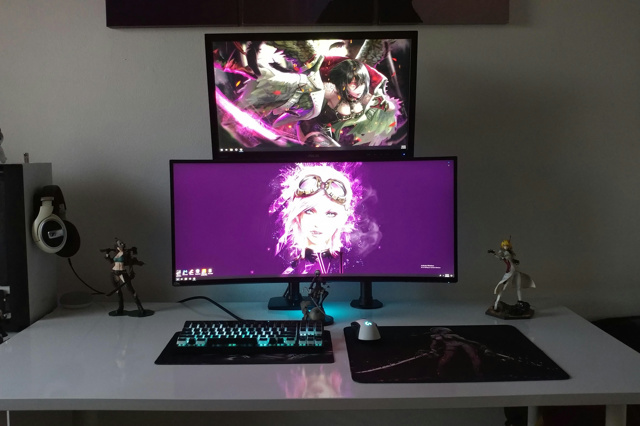 PC_Desk_UltlaWideMonitor33_56.jpg