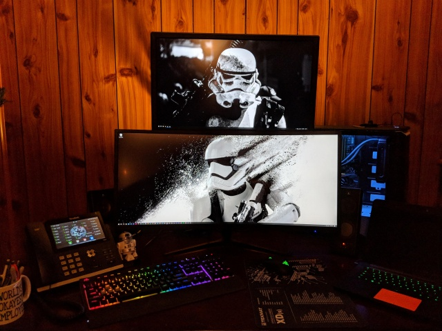 PC_Desk_UltlaWideMonitor33_99.jpg