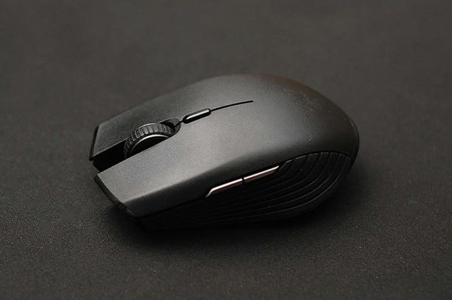 Wireless_Gaming_Mouse_201806_10.jpg