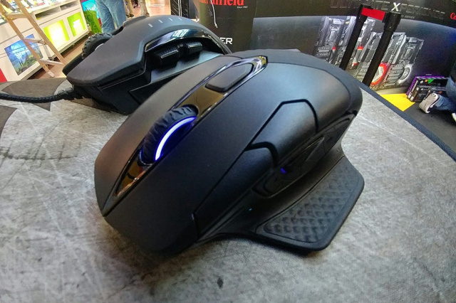 Wireless_Gaming_Mouse_201806_12.jpg
