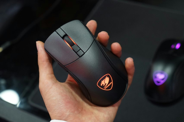 Wireless_Gaming_Mouse_201806_18.jpg