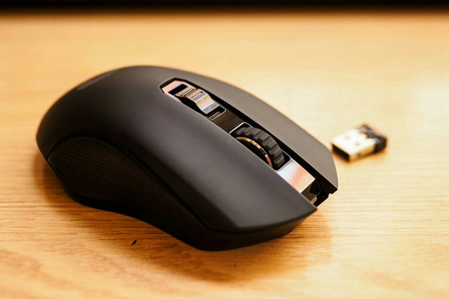 Wireless_Gaming_Mouse_201806_22.jpg