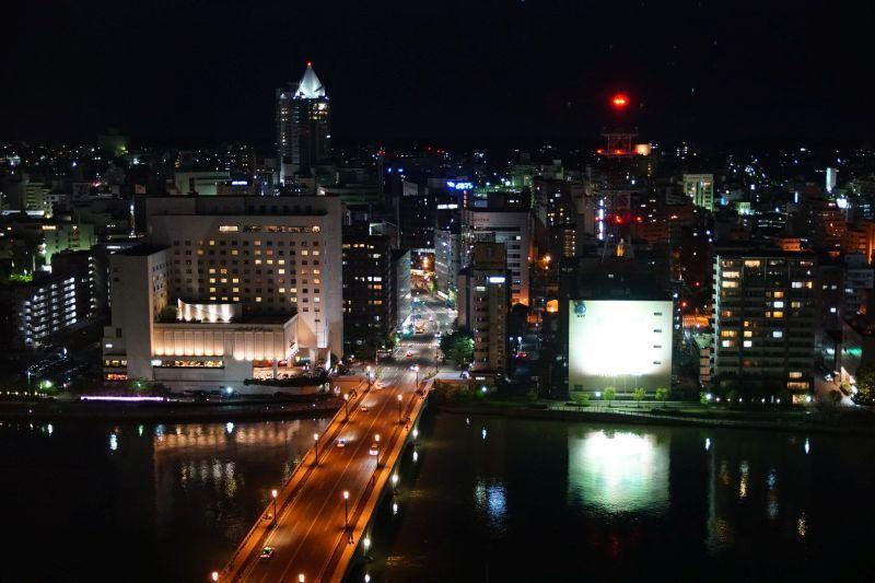 media_ship_night_view2.jpg