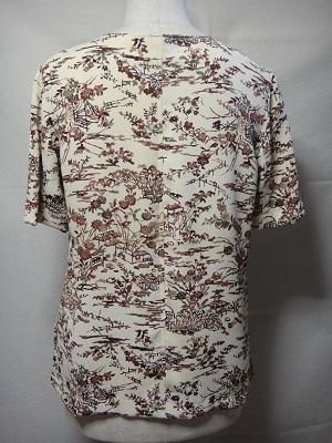 Tシャツ白地後