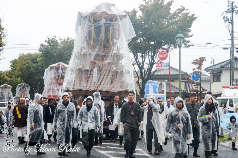 雨中の統一運行 常盤巷だんじり(屋台)