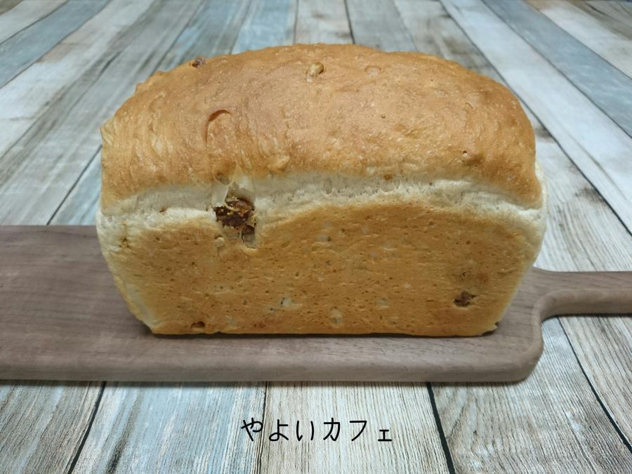 ココナッツオイルに合う!「全粒粉の朝食パン」の作り方☆