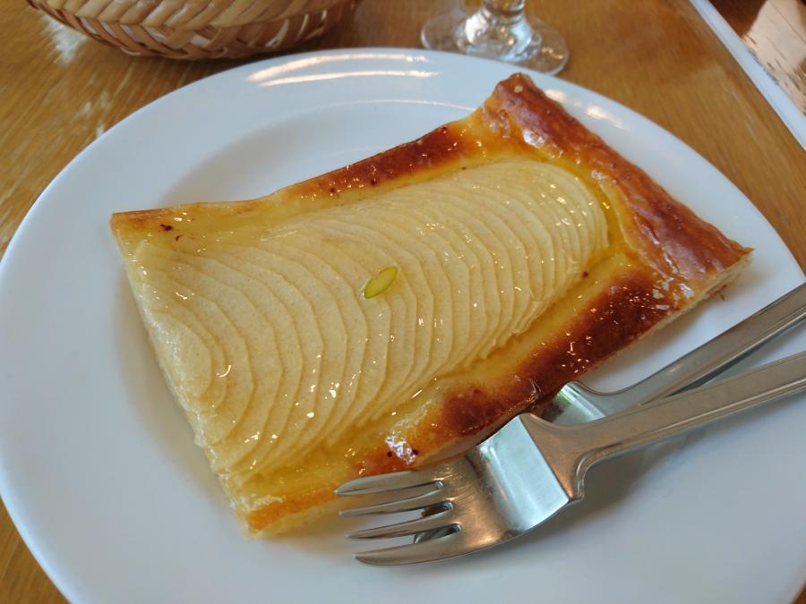 玉の湯で憧れのアップルパイを!「ティールーム 二コル(大分県由布市)」