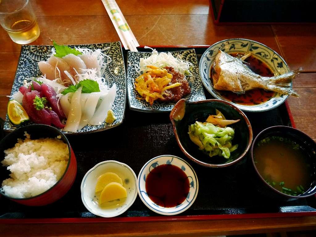 足摺沖の新鮮な魚と郷土料理!「海鮮館 大漁屋(高知県土佐清水市)」でランチ☆