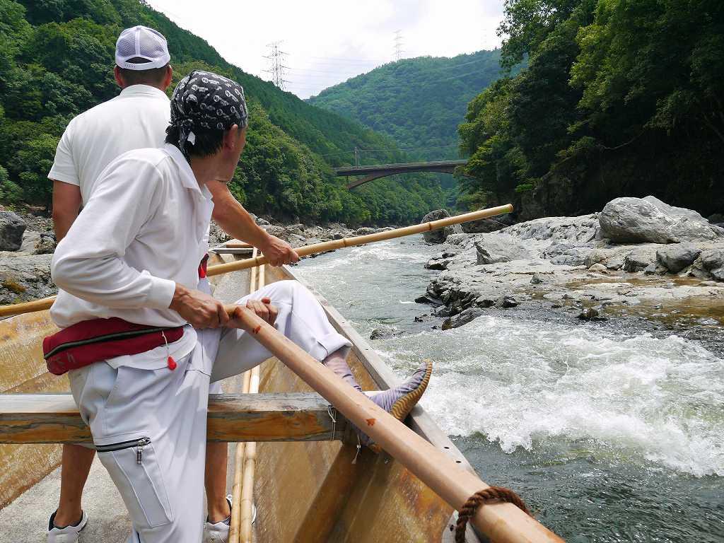 日本最古で最長の川下り!楽しい船頭さんと「京都・亀岡 保津川下り」