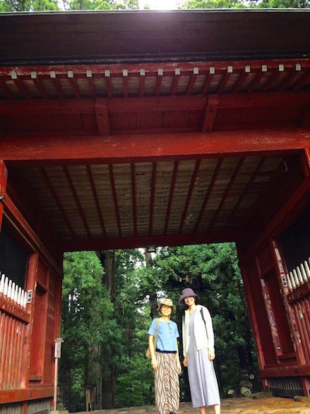 6月山神社前