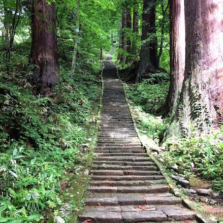 11茶屋への階段