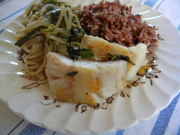 blog (5x4@300) Yoko CP2 Lunch, Black Cod, Brown Rice with Cheese, Warabi & Moyashi, Mendocino_DSCN8797-5.8.18.jpg