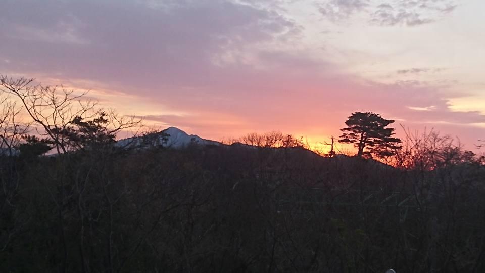 【朝焼けの米山と妙高を見ながら朝ラン】-1