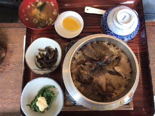 食堂 牛木屋(磐梯蕎麦と茸釜めし)